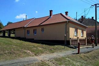 Casa de vacaciones en Szöce