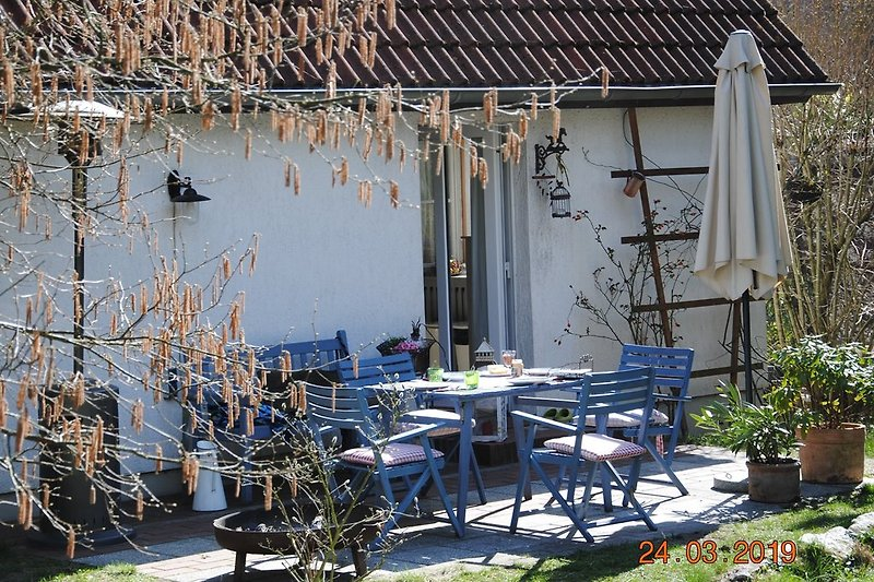 Terrasse mit Blick vom Garten