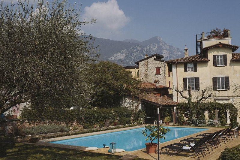 villa giovanna in der n he des sees ferienhaus in. Black Bedroom Furniture Sets. Home Design Ideas