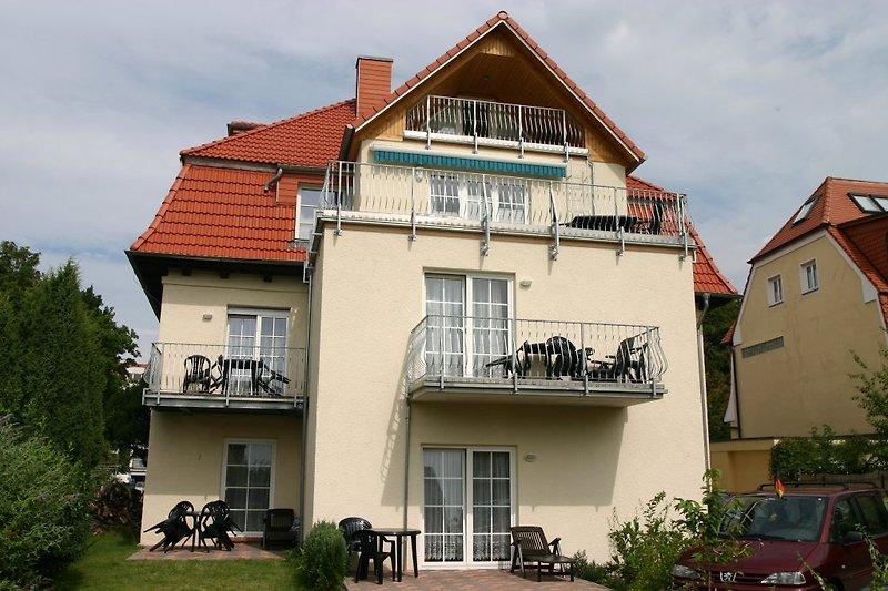 Wohnung mit Terrasse oder Balkon
