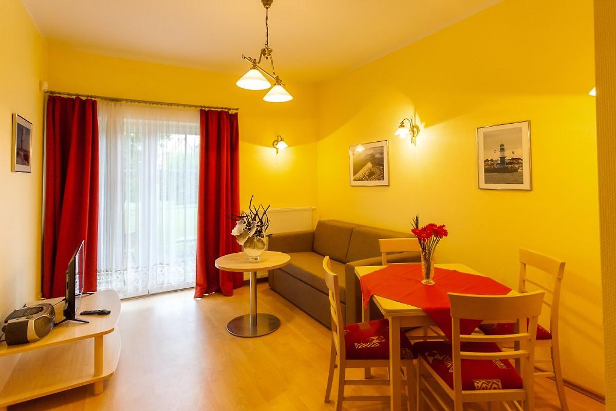 burg freienstein ferienwohnung in warnem nde mieten. Black Bedroom Furniture Sets. Home Design Ideas