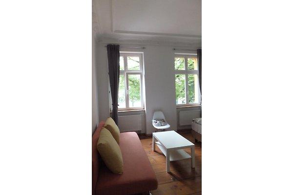 tolle gro e stadtwohnung in berlin ferienwohnung in. Black Bedroom Furniture Sets. Home Design Ideas
