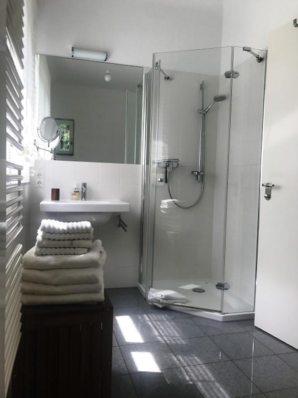 Villa babelsberg ferienwohnung in potsdam mieten - Englische badezimmer ...