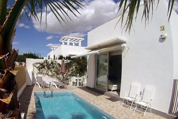 Moderne Villa mit privatem Pool in Orihuela Costa - Bild 1
