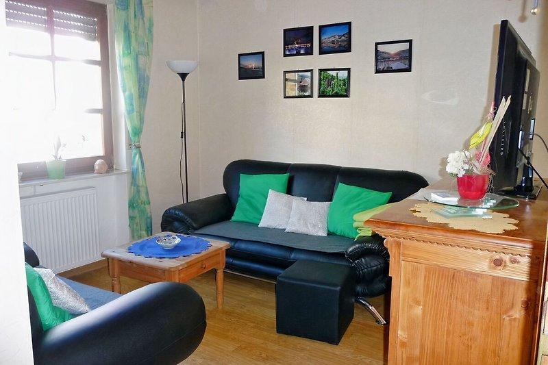 Wohnzimmer mit 40er TV