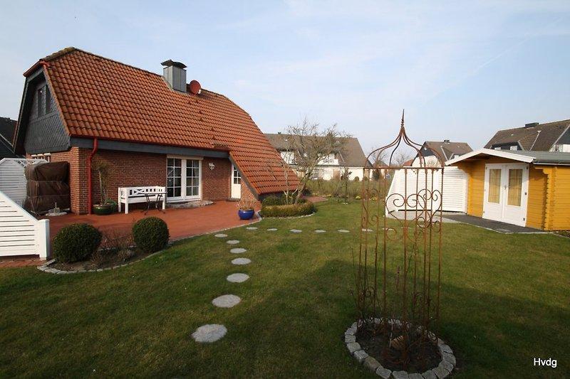 Eingezäunter Garten.Stabgitterzaun