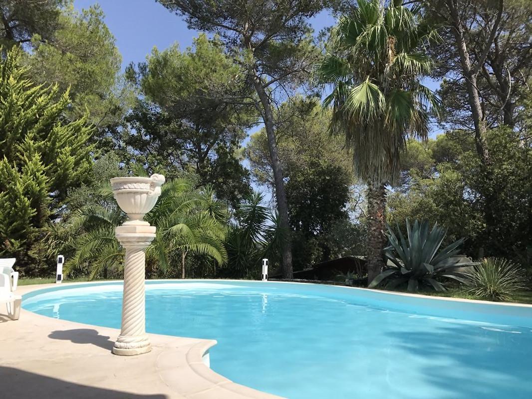 villa gl ck ferienhaus in roquefort les pins mieten. Black Bedroom Furniture Sets. Home Design Ideas