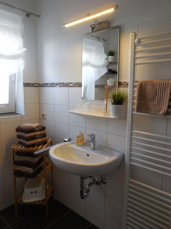 wohnung typ a im haus friedeburg ferienwohnung in carolinensiel mieten. Black Bedroom Furniture Sets. Home Design Ideas