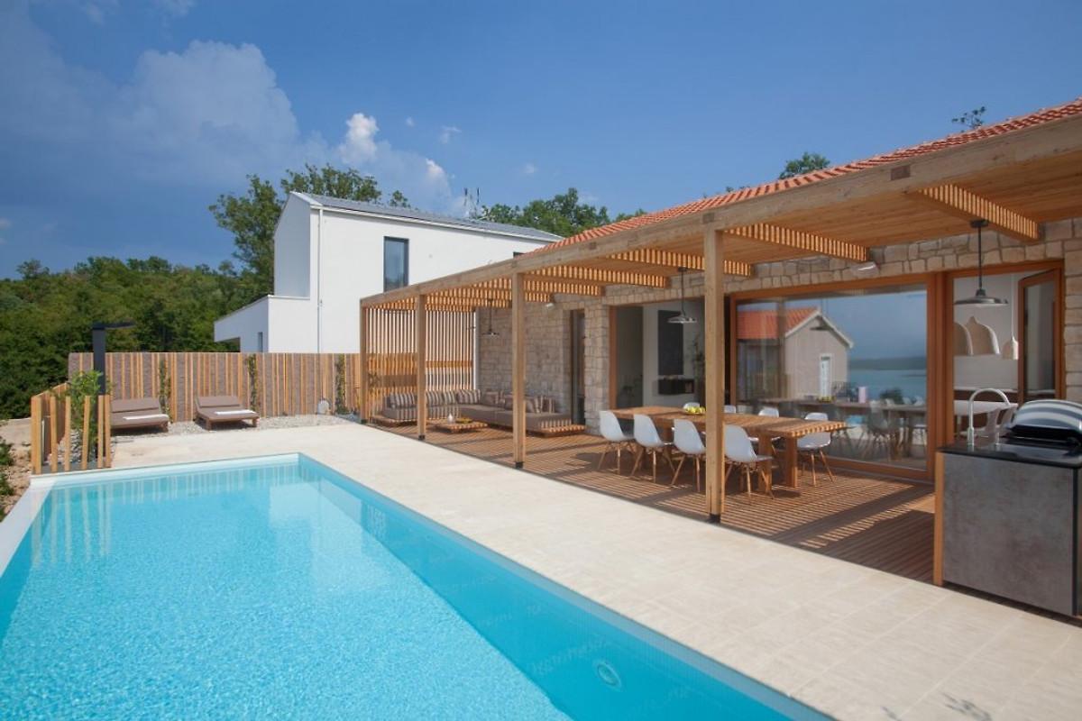 Design villa olea an der insel krk ferienhaus in klimno for Design hotel kroatien