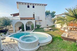 Villa Agata mit Pool & Sauna Apt.1