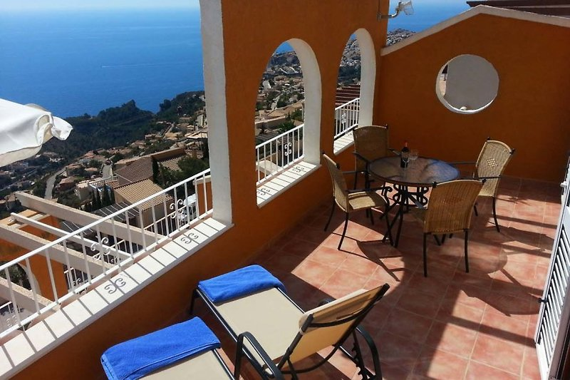 20 m2 large terrace with breathtaking 180 ª panoramic views of the Mediterranean Sea
