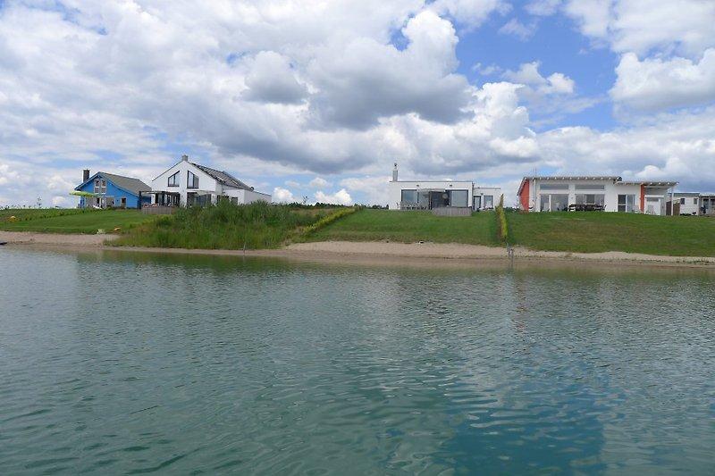 Ufer (jetzt) mit Nachbarbebauung