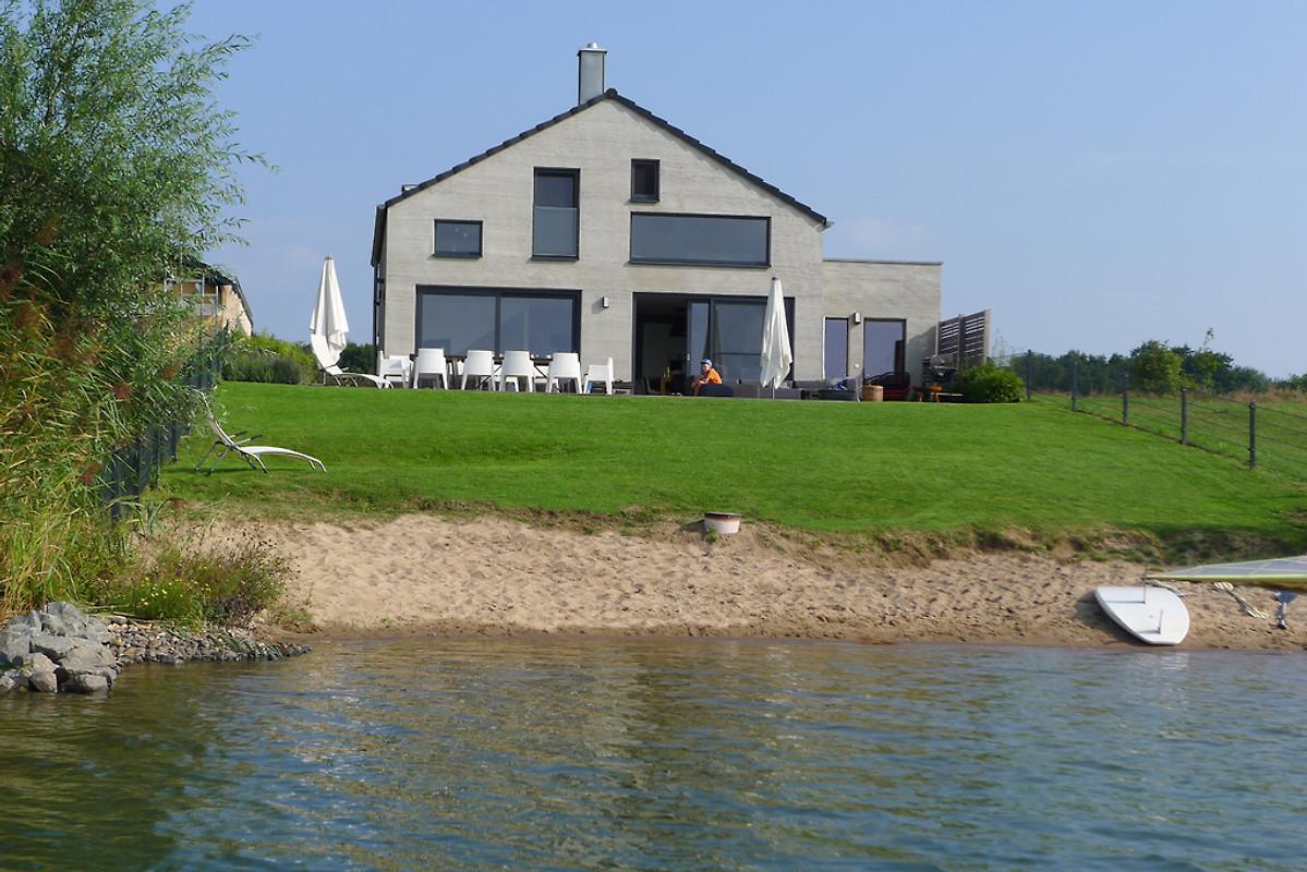 haus am see mit privatstrand nordic ferienhaus in l bnitz mieten. Black Bedroom Furniture Sets. Home Design Ideas