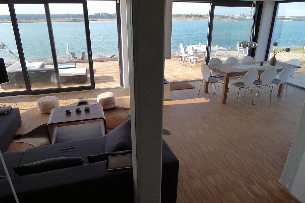 haus am see nummer 1 ferienhaus in l bnitz mieten. Black Bedroom Furniture Sets. Home Design Ideas