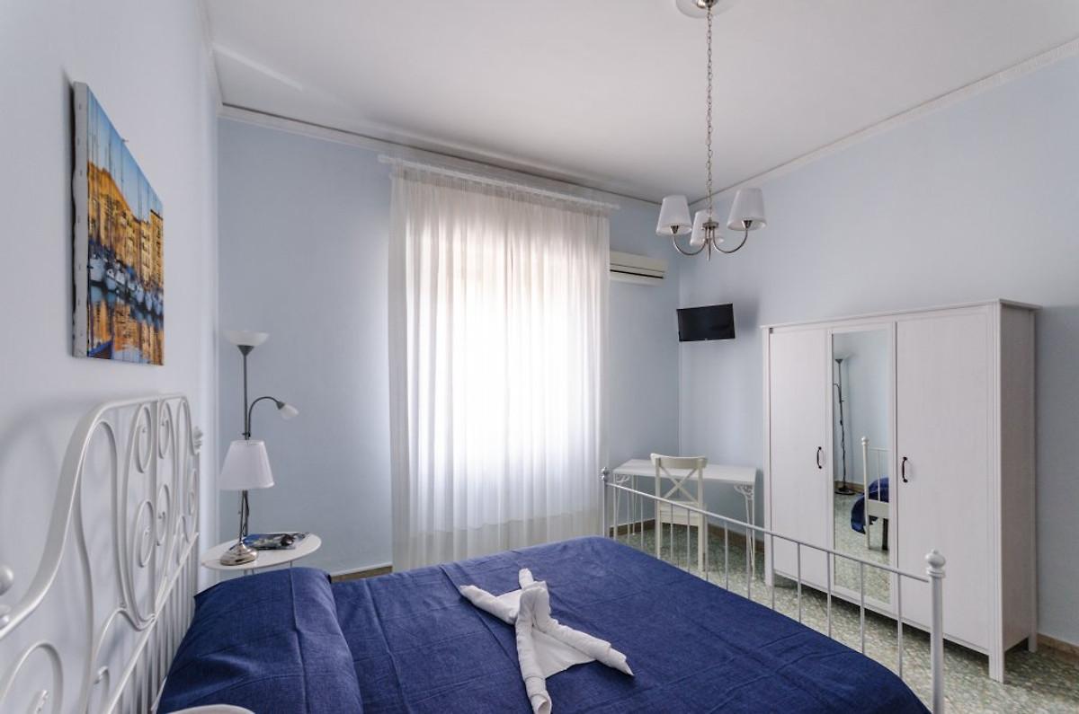 La casa di eliana appartamento in palermo affittare for Piani di aggiunta della camera da letto principale