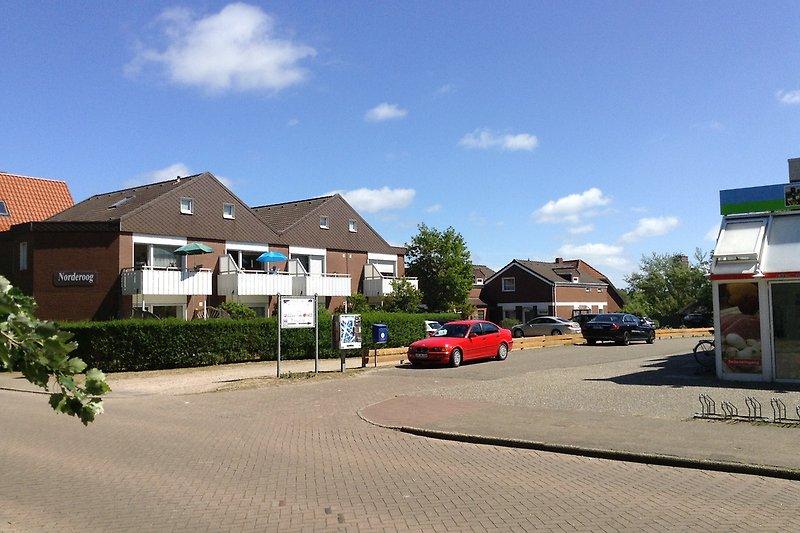 Haus Norderoog - Zufahrt zu den 14 PKW - Parkplätzen