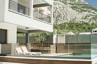 Modernes Haus, Pool, Meerblick