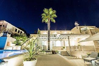 Vast villa with heated pool