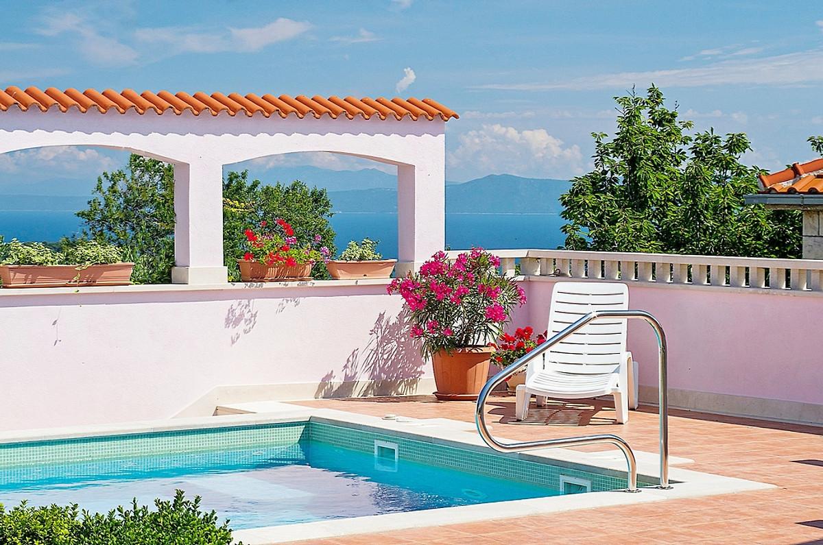 Villa, piscina, 3 camere da letto e vista sul mare