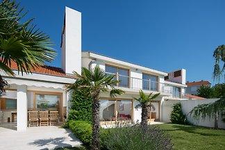 Casa Vidmar con piscina climatizada