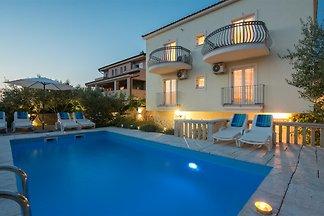 Villa Dada mit Pool & Meerblick