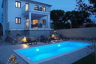 Villa Vista mit Pool und Meerblick
