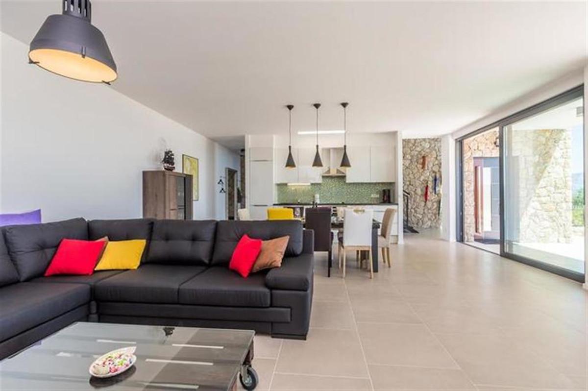 Moderne Villa mit Pool & Meerblick in Sužan - Firma Adria Villas ...