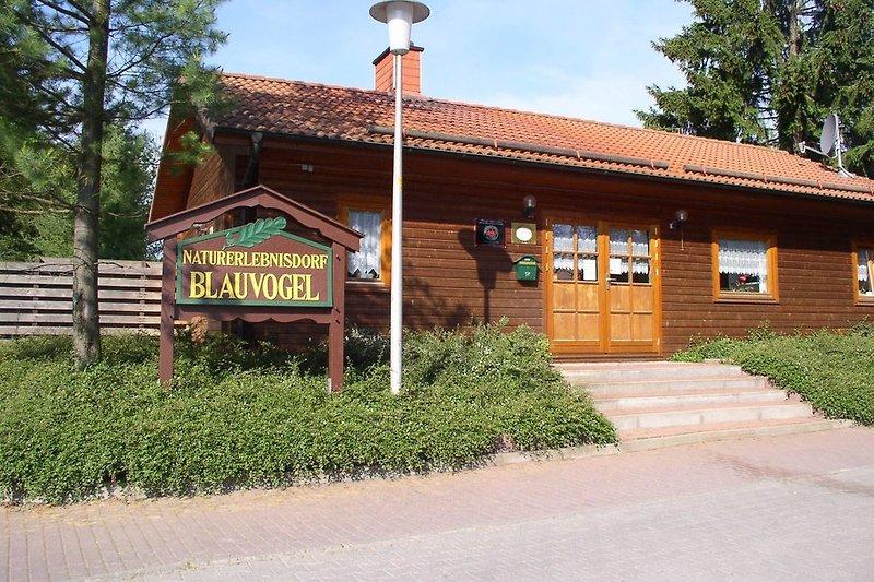 Rezeptionsgebäude im Naturerlebnissdorf Blauvogel