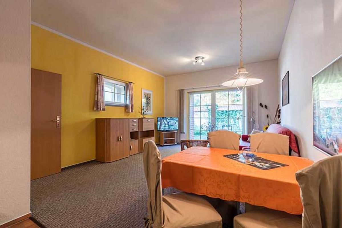 Ferienhof georgenthal ferienwohnung in georgenthal mieten for Wohnzimmer zur mitte