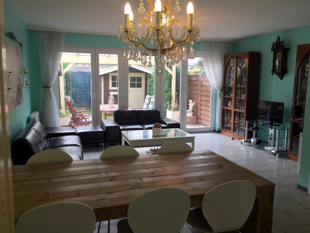 modernes ferienhaus g stehaus k ln ferienwohnung in. Black Bedroom Furniture Sets. Home Design Ideas