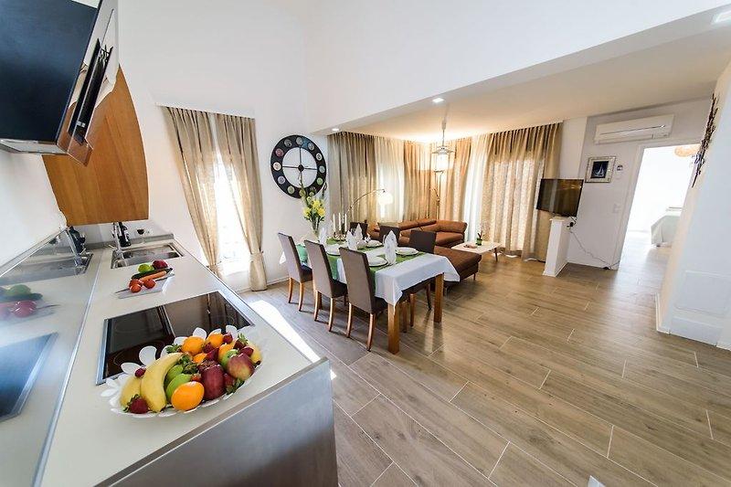 Apartment 2/ Der große Wohnraum