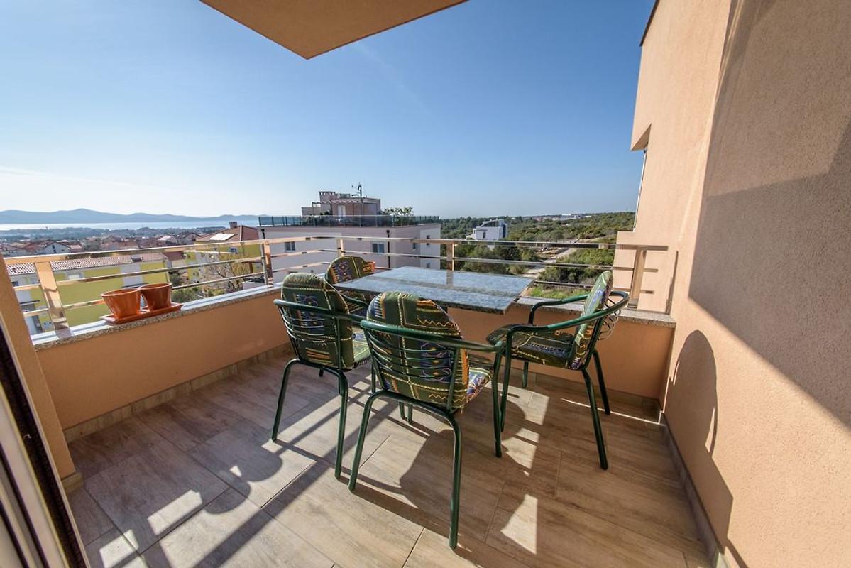 Apartment 2 der balkon mit offenem meerblick