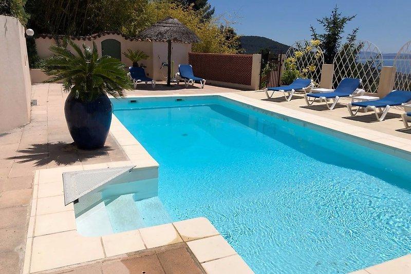 piscine côté gauche