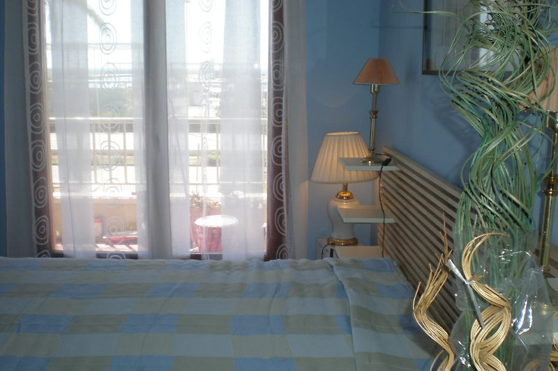 Doppelschlafzimmer mit Balkonzugang