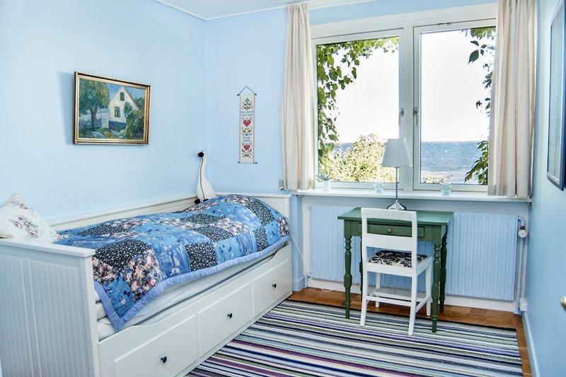 Schwalbennest ferienhaus in svaneke mieten - Blaues schlafzimmer ...