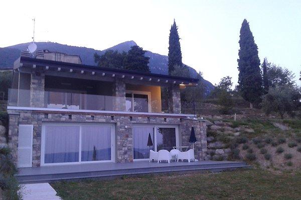 Luxury house view lake with pool in toscolano maderno - La casa del barbecue brescia ...