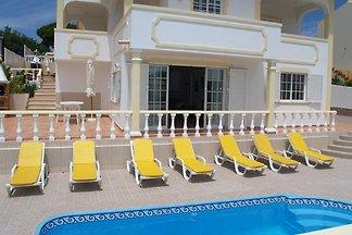 Villa Mariamar