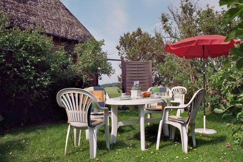 Blick- und Windgeschützer Gartenbereich