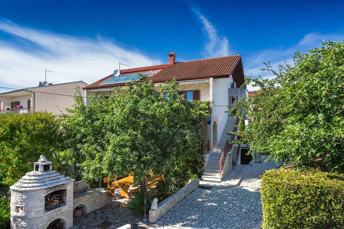 Haus diana casa vacanze in medulin affittare for Piani casa a prezzi accessibili 5 camere da letto
