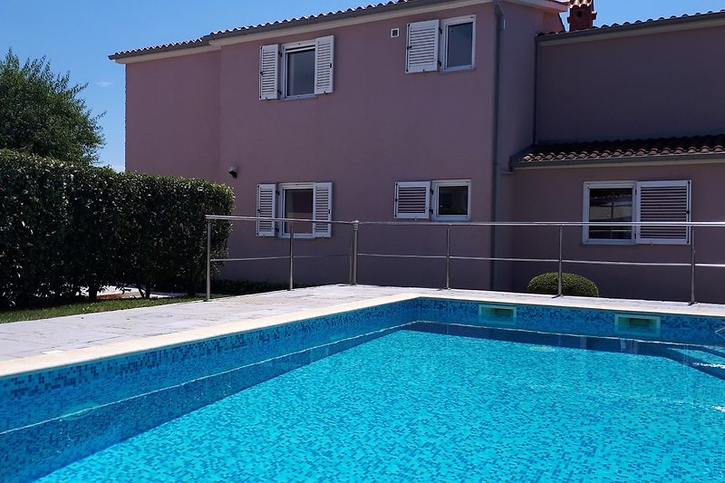 Villa mattea with outdoor pool. New in 2020, Jacuzzi for 5 people