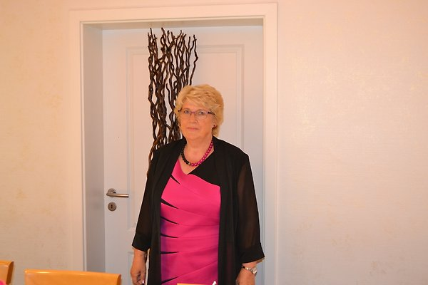 Frau M. Schaper