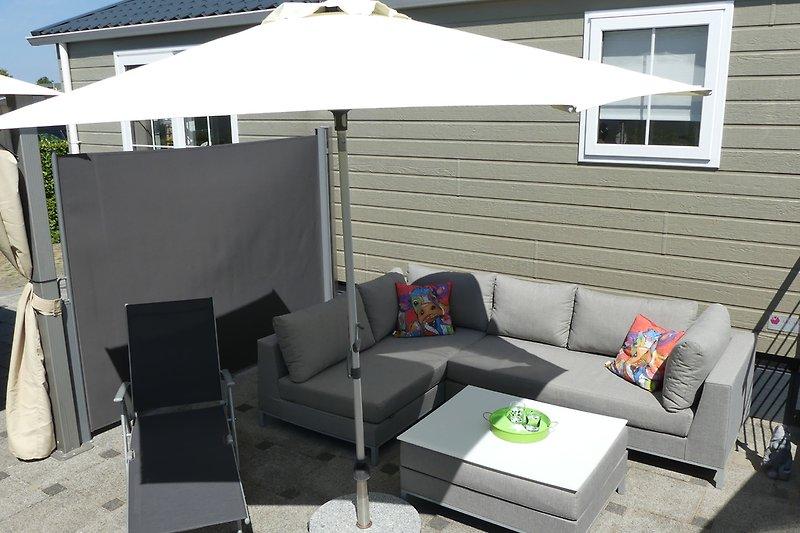 Terrasse 50 m² mit Lounge