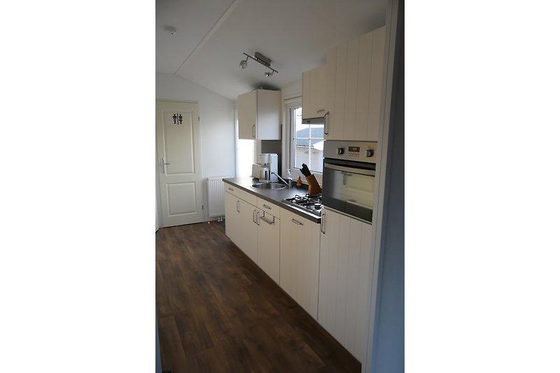ferienhaus chalet julianahoeve 5 ferienhaus in renesse mieten. Black Bedroom Furniture Sets. Home Design Ideas