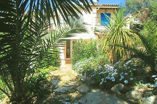Studio mit Garten und Garage