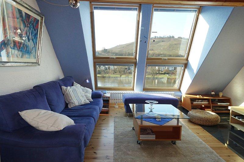 Panoramafenster mit Blick auf die Moselschleife
