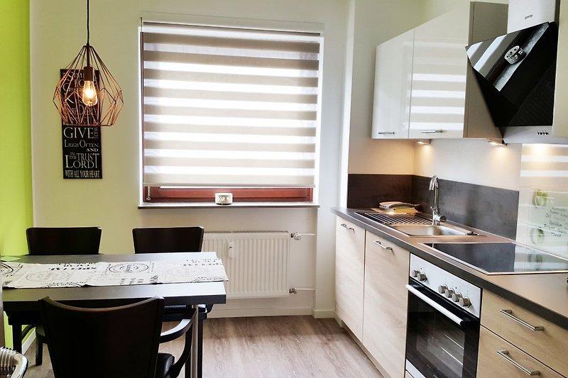 Moderne Küche mit Komfort