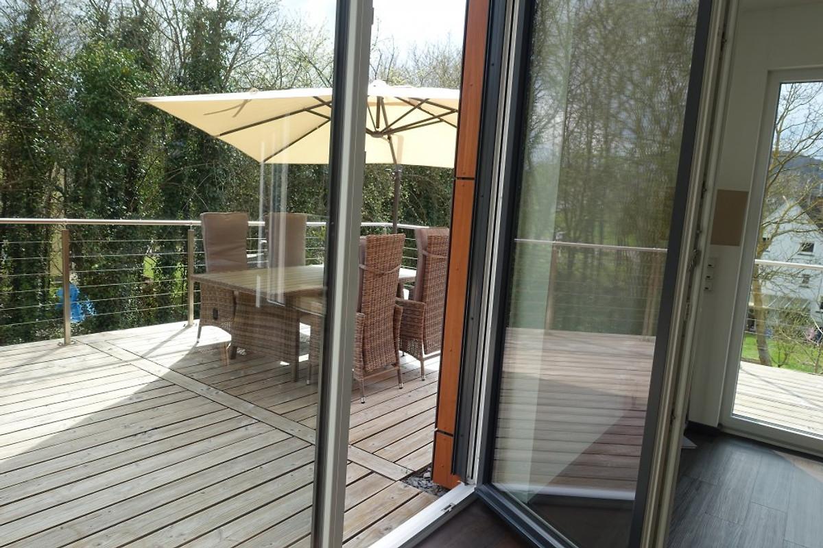 design ferienhaus exclusiv mosel ferienhaus in zell mosel mieten. Black Bedroom Furniture Sets. Home Design Ideas