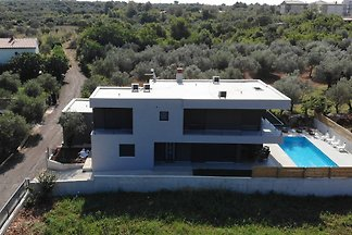 Brand New Villa - last minute !!!!!!