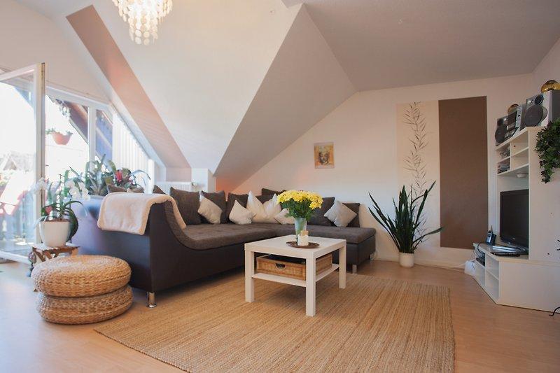 Wohnbereich mit großer Sofaecke