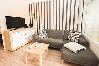 In ruhiger Lage und dennoch zentral gelegen, empfängt Sie Ihr Urlaubsdomizil, ein modern und geschmackvoll eingerichtetes 2-Zimmer-Appartement.